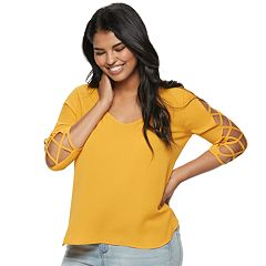 Juniors' Plus Size Liberty Love Lattice Sleeve Top