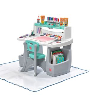 Step2 Deluxe Art Master Desk with Splat Mat