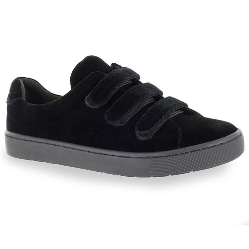 Easy Street Strive Women's Sneakers