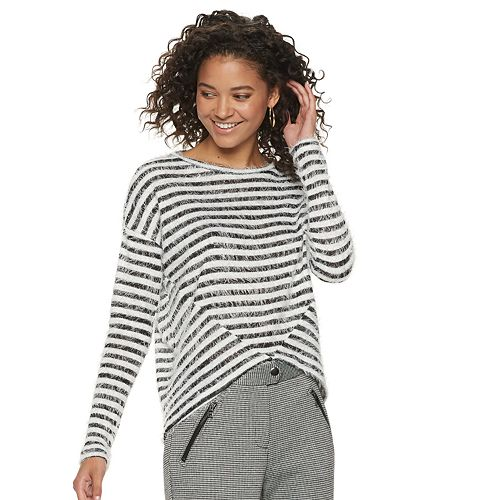 Juniors' Candie's® Long Sleeve Pullover Top