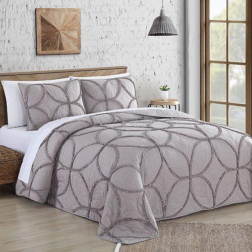 Addie Ruffle Stitch 3-piece Quilt Set