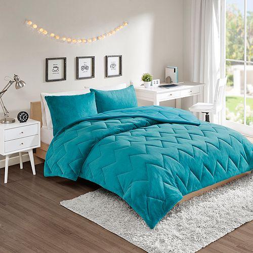Intelligent Design Kai Reversible Plush Comforter Set