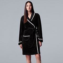 ebde2718c2 Women s Simply Vera Vera Wang Printed Plush Wrap Robe. Black Black Stars