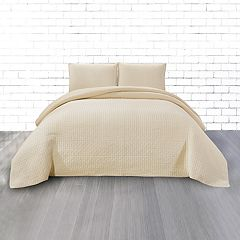 CosmoLiving by Cosmopolitan Vintage Wash 3-piece Grid Cotton Quilt Set