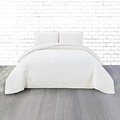 CosmoLiving by Cosmopolitan Vintage Wash 3-piece Grid Cotton Quilt Set