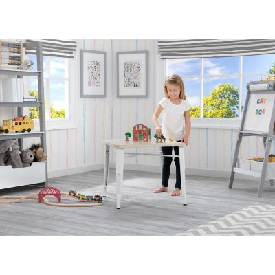 Delta Children Bistro Kids' Play Table