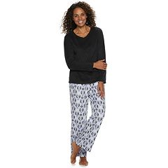 Petite Croft & Barrow® Microfleece V-Neck Top & Pants Pajama Set