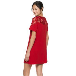Juniors' Speechless Lace Illusion Yoke Shift Dress