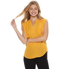 Juniors' Love, Fire Georgette Splitneck Tank