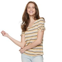 Juniors' Pink Republic Shirttail Short Sleeve Top
