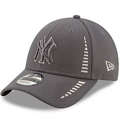 purchase cheap d4ada edf21 Adult New Era New York Yankees Speed 9FORTY Baseball Cap