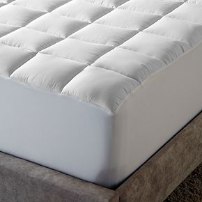 MGM Grand Overfilled Waterproof Mattress Pad