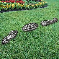 Oakland Living Medium Outdoor Garden Gator