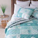 Donna Sharp Seahorse Grid Quilt Set