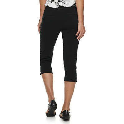 Petite Apt. 9® Brynn Pull-On Capri Pants