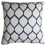Rizzy Home Cassandra Leafshape Pillow