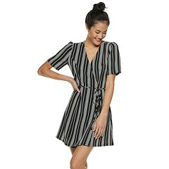 Juniors' Speechless Striped Button Wrap Dress