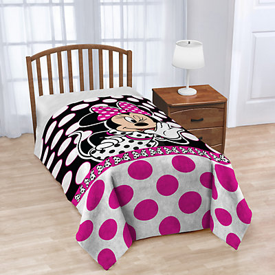 Disney's Minnie Mouse Dots Blanket