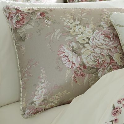 Royal Court Eleanor Comforter Set