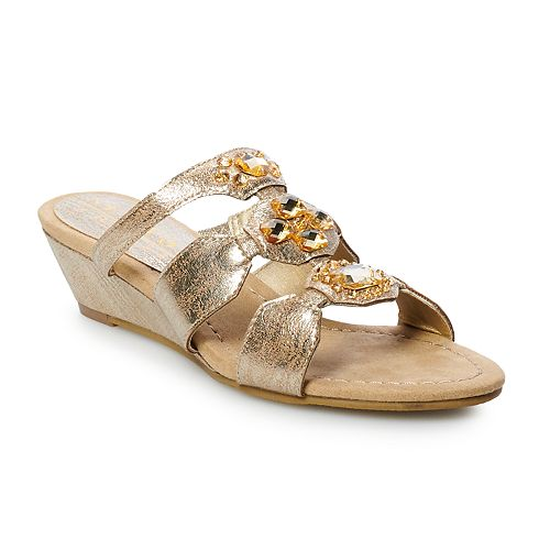 New York Transit Aced the Moment Women's Wedge Sandals
