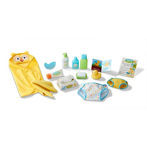 Melissa & Doug Mine to Love 19-Piece Changing & Bathtime Play Set for Dolls