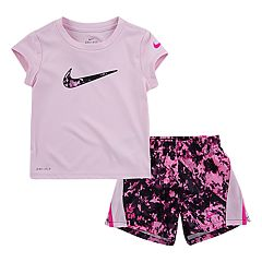 Baby Girl Nike Dri-FIT Logo Graphic Tee & Splatter Shorts Set