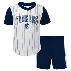 Toddler Boy New York Yankees Little Hitter Tee & Shorts Set
