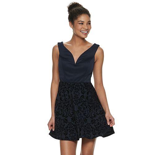 Juniors' Speechless Off-the-Shoulder Deep V-Neck Dress