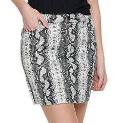 Juniors' Tinseltown Raw Hem Skirt