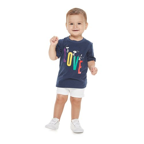 "Baby Family Fun Peanuts Snoopy ""Love"" Graphic Tee"