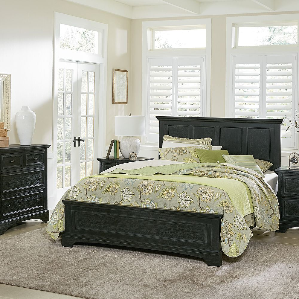 Inspired By Basset Farmhouse Basics King Bed Set with Nightstands and Chest