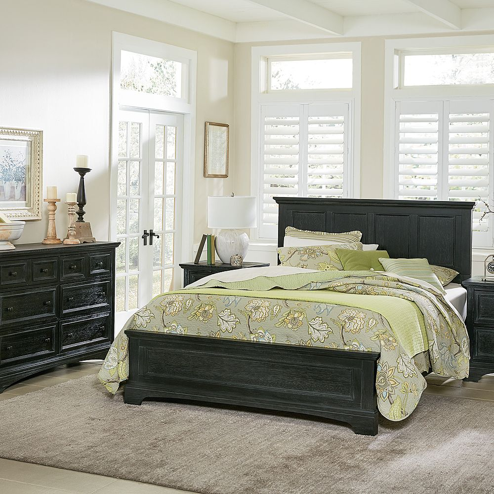Inspired By Basset Farmhouse Basics King Bedroom Set with Nightstands and Dresser