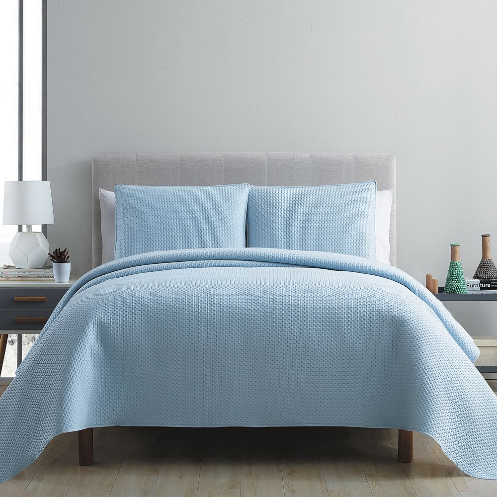 VCNY Home Waffle Pinsonic Quilt Set
