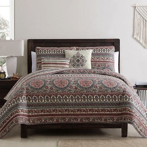 VCNY Home Menkis Quilt Set