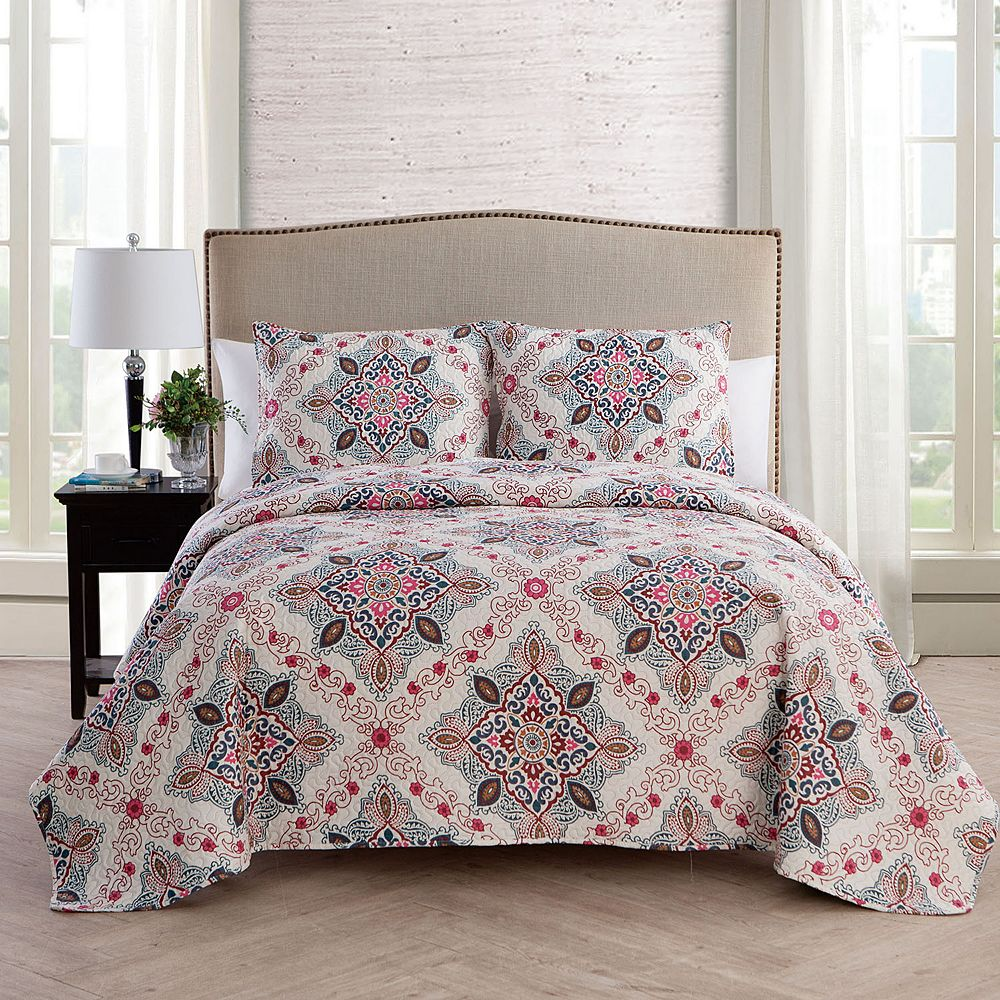 VCNY Home Wyndham Quilt Set
