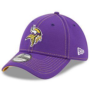 Men's New Era® Minnesota Vikings 39Thirty On-Field Sideline Away Cap