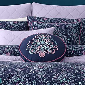 37 West Kinsley Round Pillow