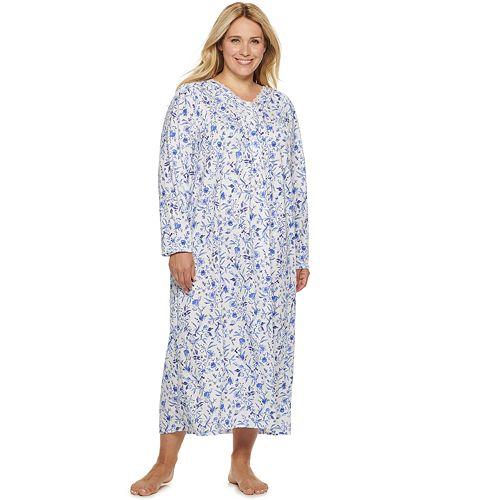 Women's Croft & Barrow® Long Sleeve V-neck Lace Gown