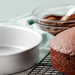 Wilton Aluminum 8-Inch Round Cake Pan Set