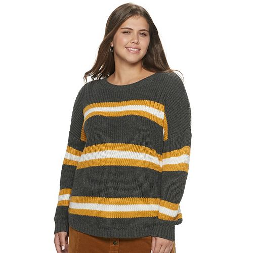 Juniors' Plus Size SO® Shirttail Hem Sweater