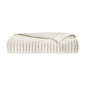 37 West Gordon Ivory Quilted Coverlet Set