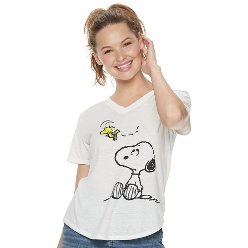 Juniors' Peanuts Snoopy & Woodstock Graphic Tee