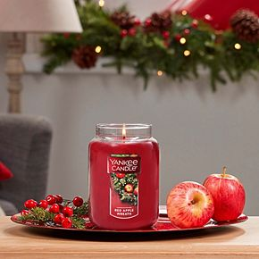 Yankee Candle Red Apple Wreath 22-oz. Large Candle Jar