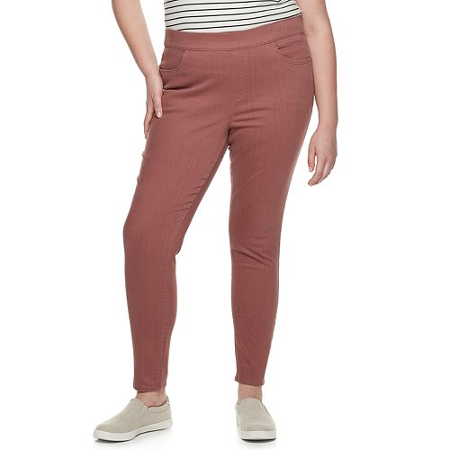 Plus Size EVRI Pull On Jeggings