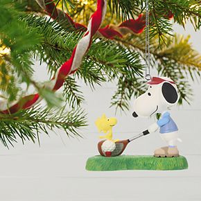 Peanuts Spotlight on Snoopy Golfer Snoopy 2019 Hallmark Keepsake Christmas Ornament