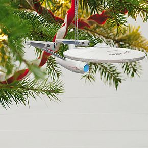 Star Trek: The Motion Picture U.S.S. Enterprise NCC-1701 40th Anniversary 2019 Hallmark Keepsake Christmas Ornament with Light