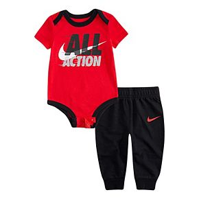 Baby Boy's Nike 2-Piece Newborn Short Sleeve Bodysuit and Pants Set