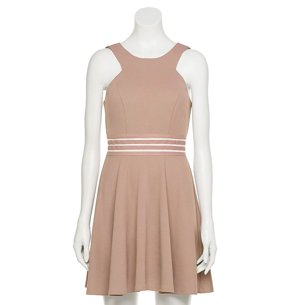 Juniors' Speechless Illusion Waist Sleeveless Skater Dress