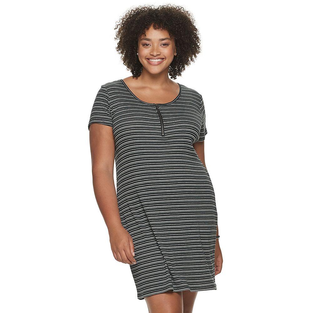 Juniors' Plus Size SO® Henley Bodycon Dress