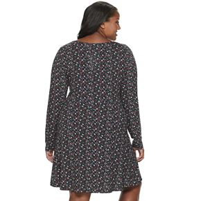 Juniors' Plus Size SO® V-Neck Henley Skater Dress